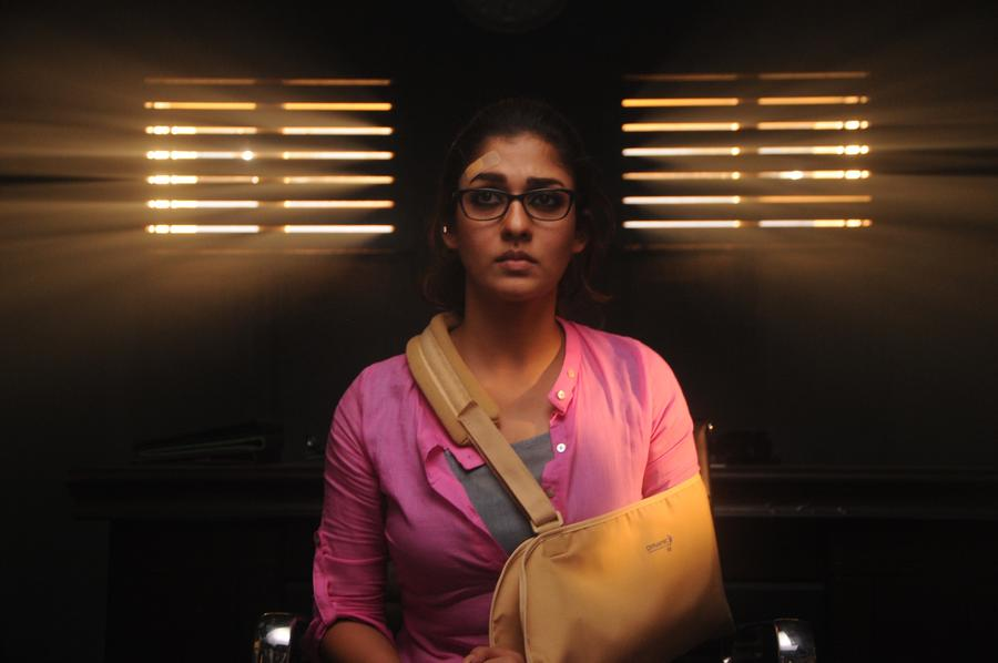 New-stills-of-Nayanthara-from-Dora-Tamil-Movie-2 Dora (2017) ÔÇô Movie Review: The Usual Horror Revenge Saga With A Vintage Car!