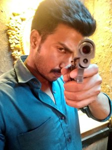 Vishnu Vishal on the sets of Minmini