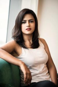 Actress Shraddha Srinath Photoshoot Stills