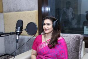 Lissy Lakshmi Dubbing Studios was inaugurated By Kamal Haasan In Le Magic Lantern.  The event was attended by many celebrities including Madhavan, Director K.S Ravikumar, Suhasini. The studio is designed by Resul Pookutty.