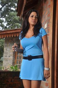 Ini Avane Tamil Movie New Stills Starring Pavani Reddy