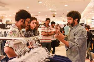 Velaikkaran Movie making Stills.