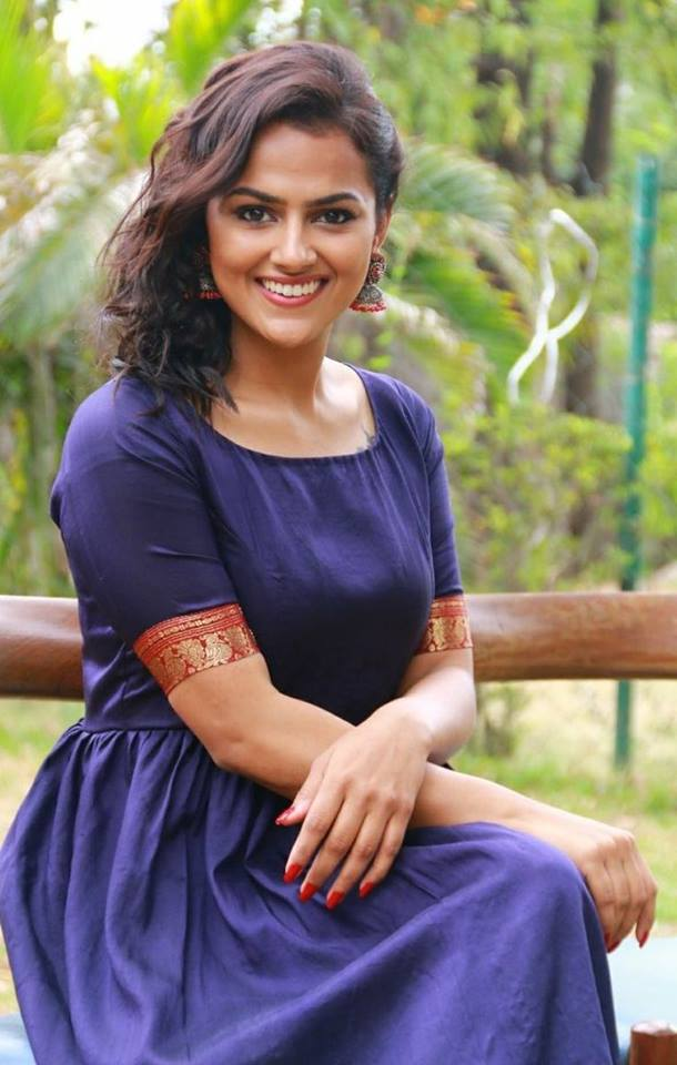 Actress Shraddha Srinath latest images.