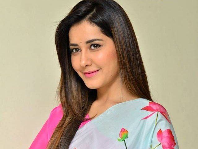 Raashi Khanna New Photos.