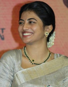 Actress Anandhi latest stills.