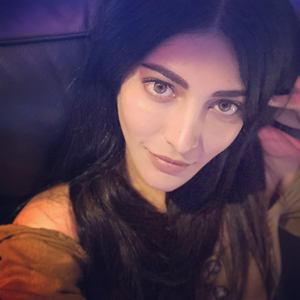 Actress Shruti Haasan Photos.