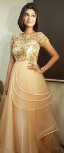 Smiley Actress Oviya New Pictures.