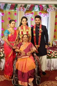 Suja Varunee Sivakumar Wedding Reception Photos