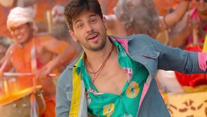 Jabariya Jodi Fresh Photos.