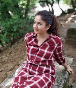 Poonam Bajwa Beautiful Photos.