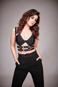 Raashi Khanna Gorgeous Pictures.