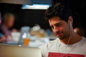Kapoor And Sons Movie Stills | Sidharth Malhotra
